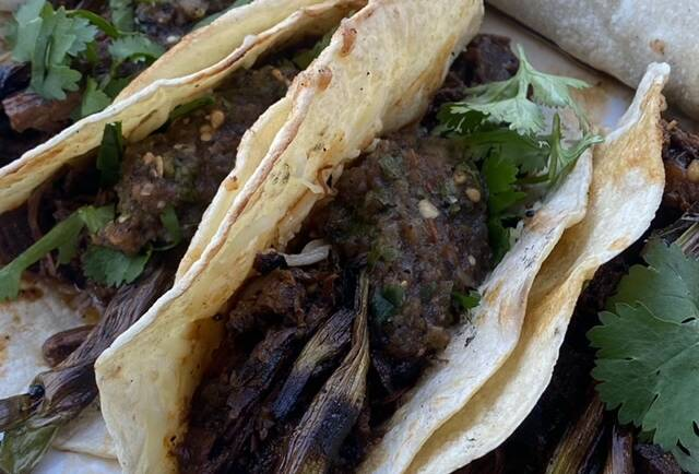 Carne Con Chile Tacos